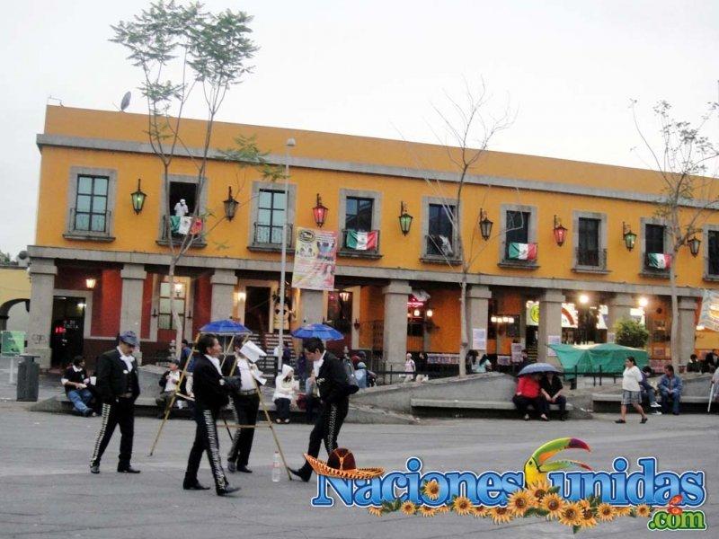 plaza garivaldi