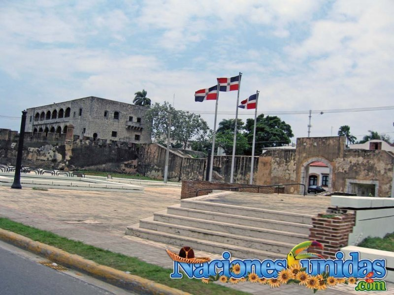 plaza de armas santo domingo